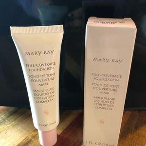 'Mary Kay Full Coverage Foundation Beige 402